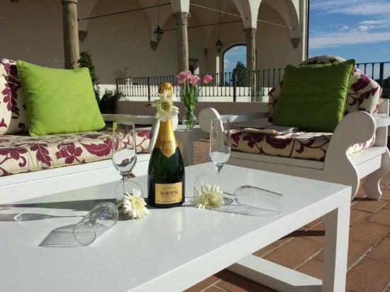 Il Conventino a Marignolle : Spumante in terrazza