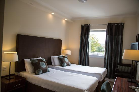 Cairn Hotel: Twin Room