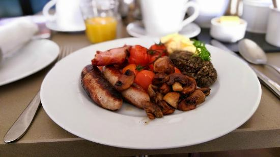 Ardmor House: Full Scottish Breakfast (with haggis)