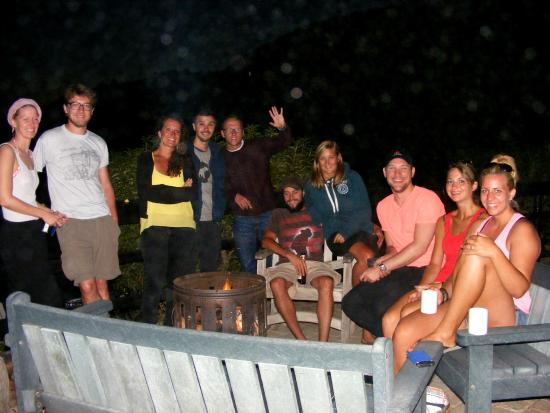 Wilderness Beach house: United Nations - around the fire