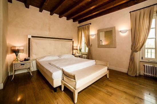 Borgo Machetto: camera matrimoniale
