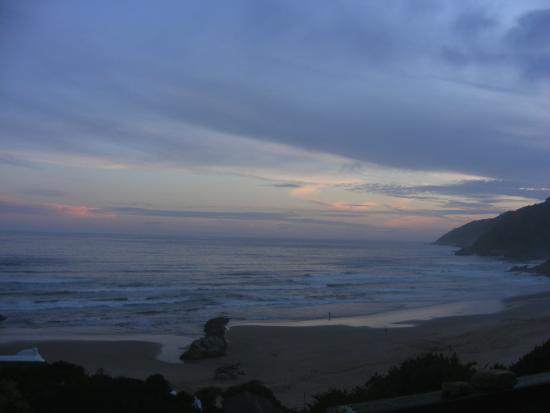Wilderness Beach house: Beautiful Sunset, even on a cloudy day