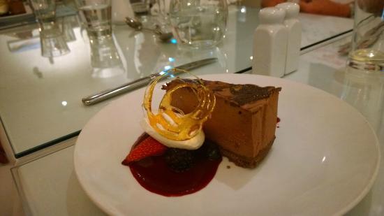 The White Swan: Chocolate cheesecake :)