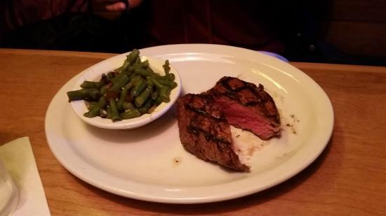 Texas Roadhouse: Large Filet