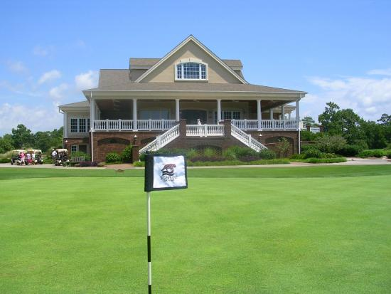 Ocean Isle Beach, NC: The spacious Tiger's Eey Clubhouse