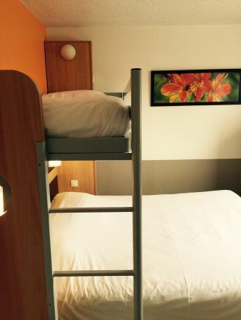 Premiere Classe Montpellier Est - Parc Expositions - Aeroport: Chambre pour 3 personnes