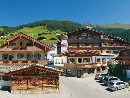 Hotel Alpin Spa Tuxerhof: Aussenansicht Sommer