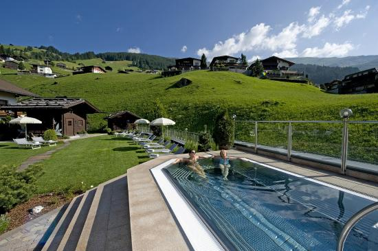 Tux, Austria: Relax-Aussenpool