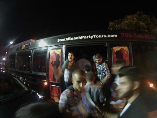 Miami Beach International Traveler's Hostel: Partybus!