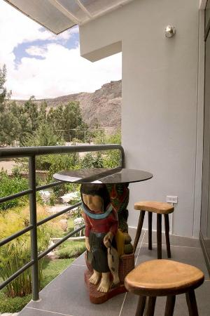 Hotel Inti Ñan: Escultura Balcón