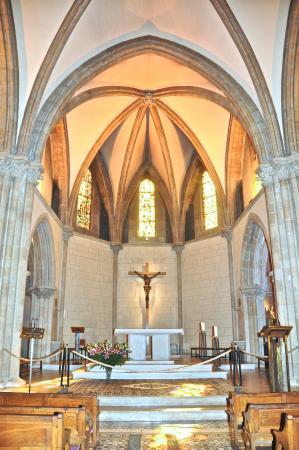 Saint Gildard Convent & Museum : inside the chapel