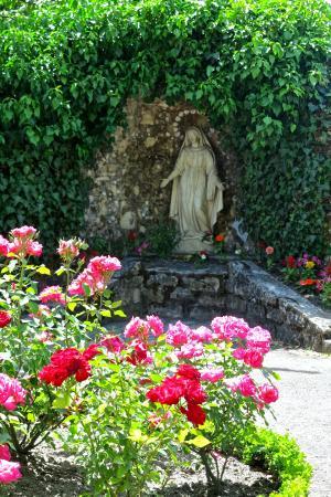 Saint Gildard Convent & Museum : Notre Dame des eaux statue