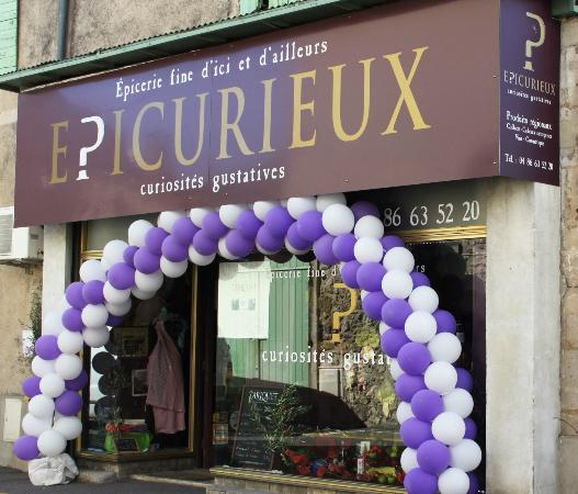Mouries, France: la boutique