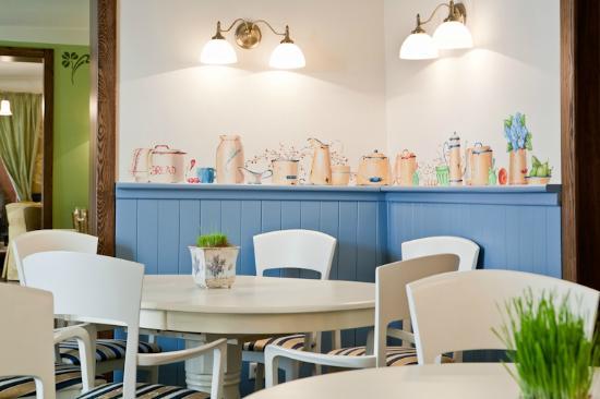 Ambiente restaurant: KONVENTS kitchen