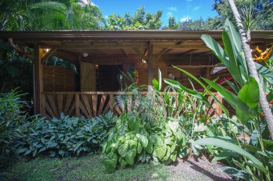 case cr ole en bois photo de au jardin des colibris