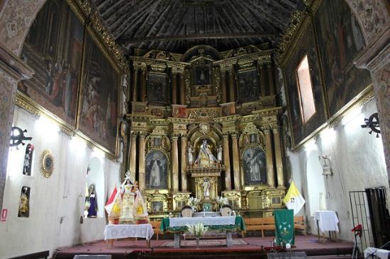 Huarocondo, Peru: Interior overview