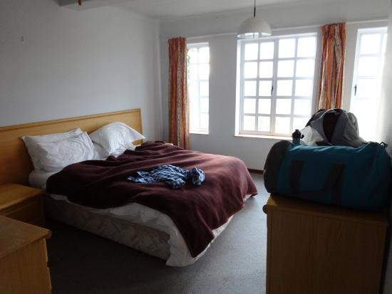 Mohale Lodge: Self-Catering Cottage Master Bedroom