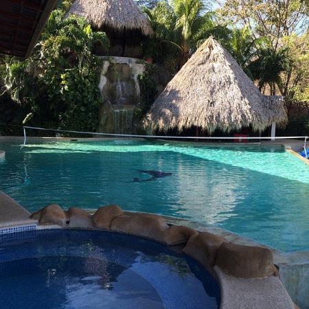 Barefoot Vacation Villas : pool at villa