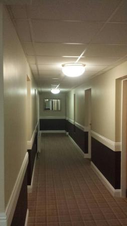 Waterford Marina Hotel: Room in marina hotel