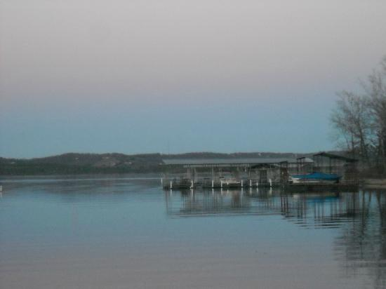 Anchor Inn on the Lake Bed & Breakfast: View of lake at twilight from behind Anchor Inn on the Lake