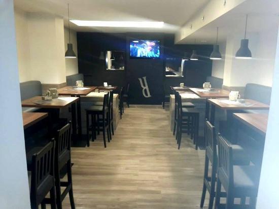 parodie restaurant smoking area picture of parodie restaurant brno tripadvisor. Black Bedroom Furniture Sets. Home Design Ideas