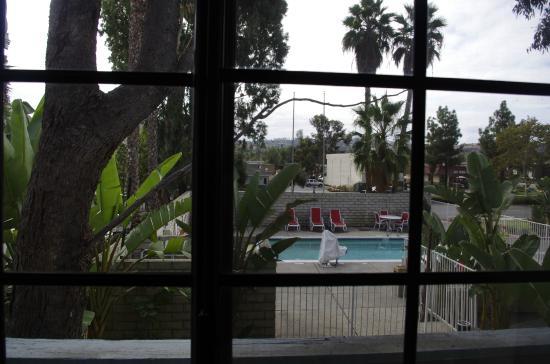 Ramada Poway: Murphy Bed Room view