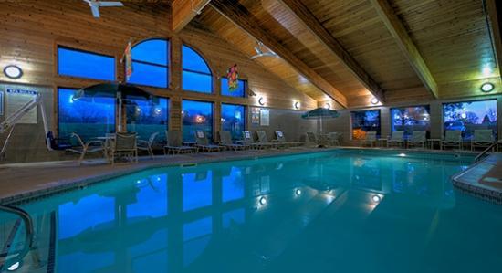 AmericInn Lodge & Suites Peoria: Pool