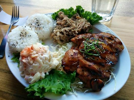 Okole Maluna Hawaiian Grill: Mixed plate, kahlua pork and teriyaki with mac salad