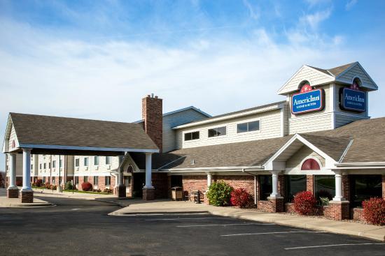 AmericInn Lodge & Suites Peoria: Exterior