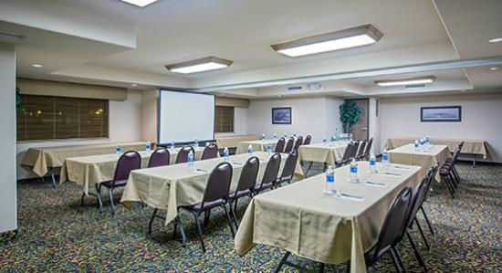 AmericInn Lodge & Suites Peoria: Meeting Room