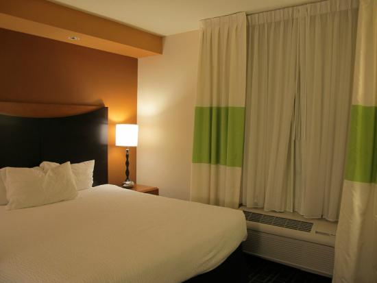 Fairfield Inn & Suites Venice: Sleeping area