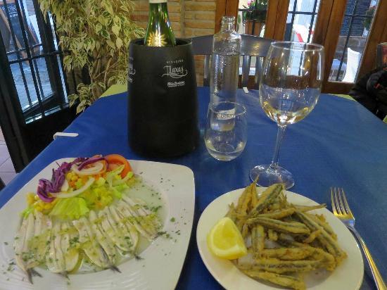 Restaurante Pacomari: カタクチイワシのマリネとフリット