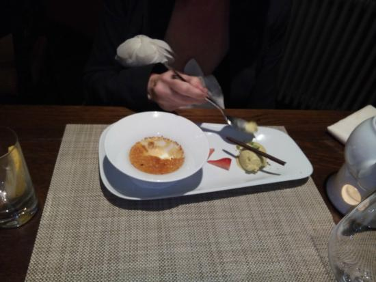 Trattoria Enoteca: Very good creme Brulee with Pistache Ice cream