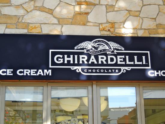 Ghirardelli Ice Cream & Chocolate Shop: Ghirardelli Ice Cream and Chocolate Shop