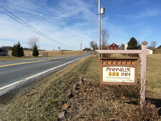 Annville Inn: roadside