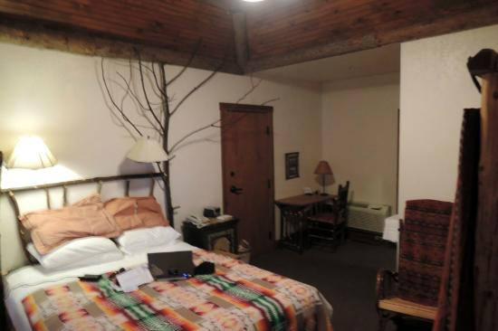 Finger Lakes Lodging: comfortable room
