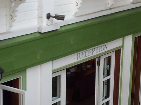 Cara Lodge: Reception