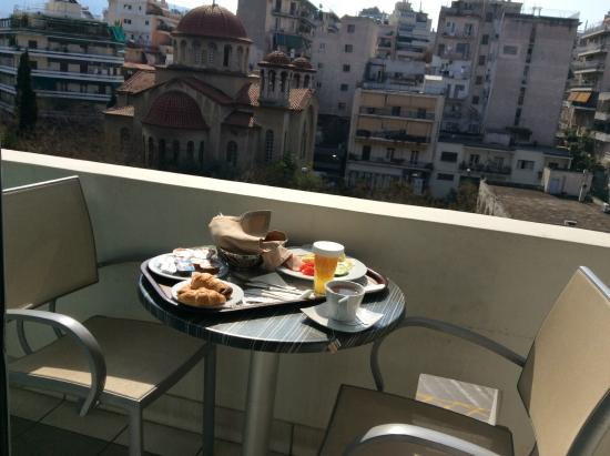 The Athenian Callirhoe Exclusive Hotel: Desayuno