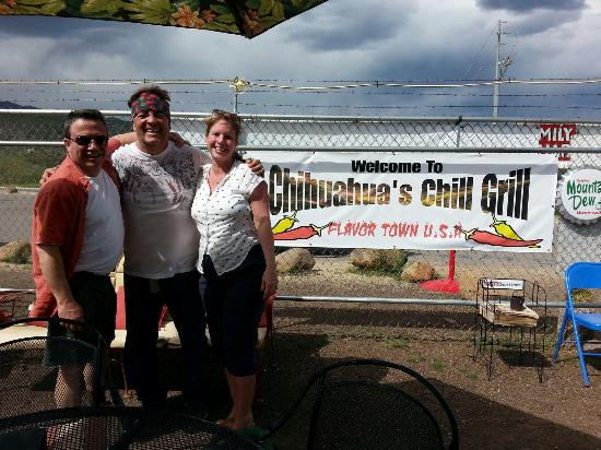 Chihuahua's Chill Grill : Ron and the New Yorkers