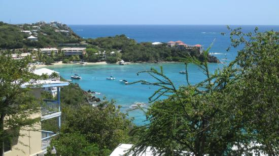Paradise Cove Oceanfront Villas & Suites: Вид на пляж