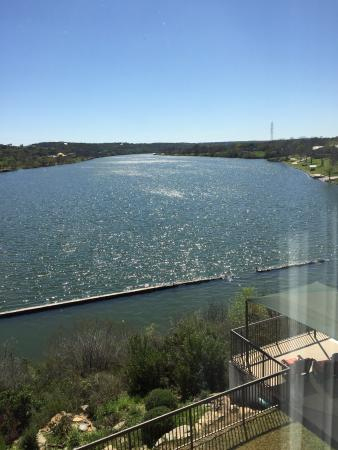 Hampton Inn Marble Falls-On The Lake: Looking out of room