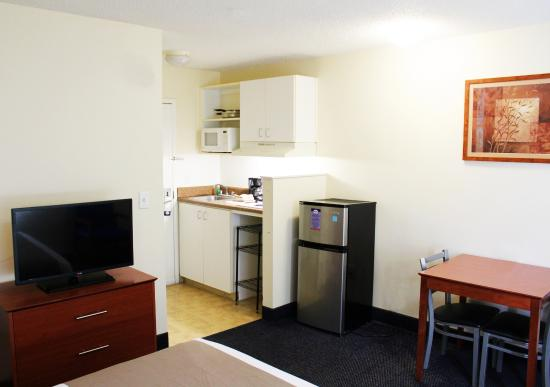 Guest Room Kitchen Picture Of Suburban Extended Stay Hotel Richmond Richmond Tripadvisor