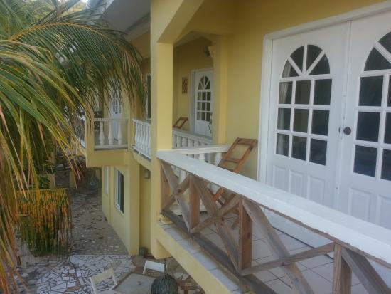 ذا آيلاندرز إن: Blick vom Balkon