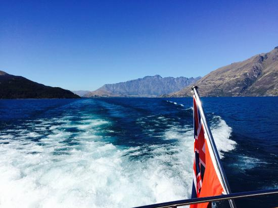 Pacific Jemm Private Day Tours: Pacific Jemm, Lake Wakatipu