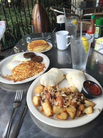 Tahitian Inn Hotel Cafe & Spa: Restaurant