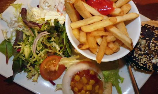 Veggie Burger Delight ! - Picture of Sam's, Fowey - TripAdvisor