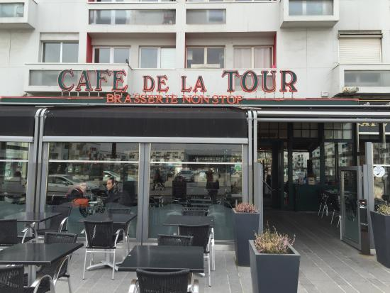restaurant entrance picture of cafe de la tour calais tripadvisor. Black Bedroom Furniture Sets. Home Design Ideas