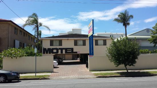 Gold Coast Airport Motel : Set back from the road