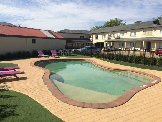 Mercure wagga wagga updated 2017 hotel reviews price comparison australia tripadvisor - Swimming pool area ...