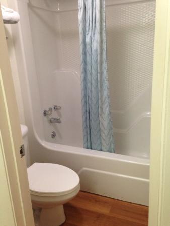 Bells, Теннесси: Clean bathroom